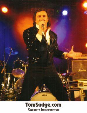 Tom Sadge performs as Neil Diamond