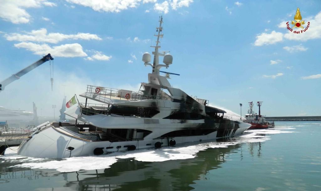 Yacht bruciato danno da 50 milioni di euro Incendio