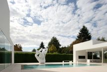White Modern Villa . Archizar