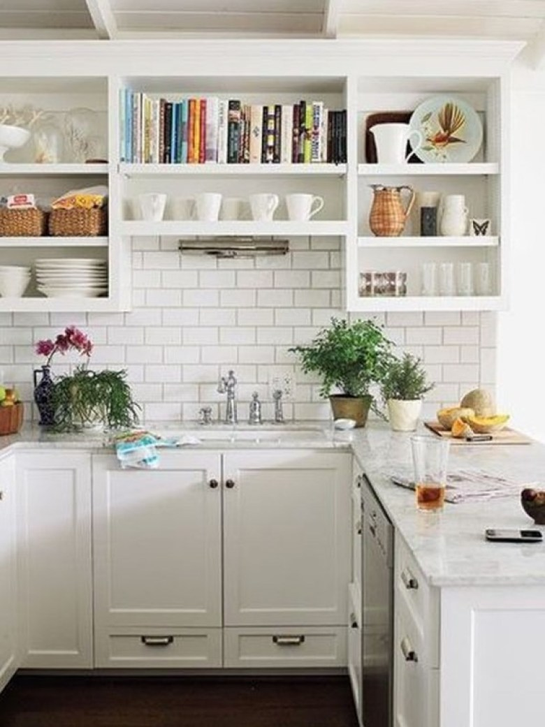 Simple Kitchen Design with Airy Look