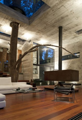 Amazing-Interior-Design-at-Modern-House-Design-that-Interact-Directly-with-Trees-Corallo-House-in-Guatemala