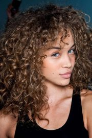 stunning hairstyles curly