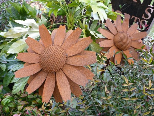 Un objet en fer ou mtal rouill peut tre la dcoration parfaite pour votre jardin