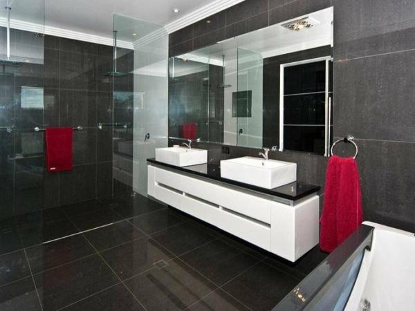 Design Dinterieur Le Meuble Salle De Bain Double Vasque Convient Une Salle De Bain Jolie Et Moderne