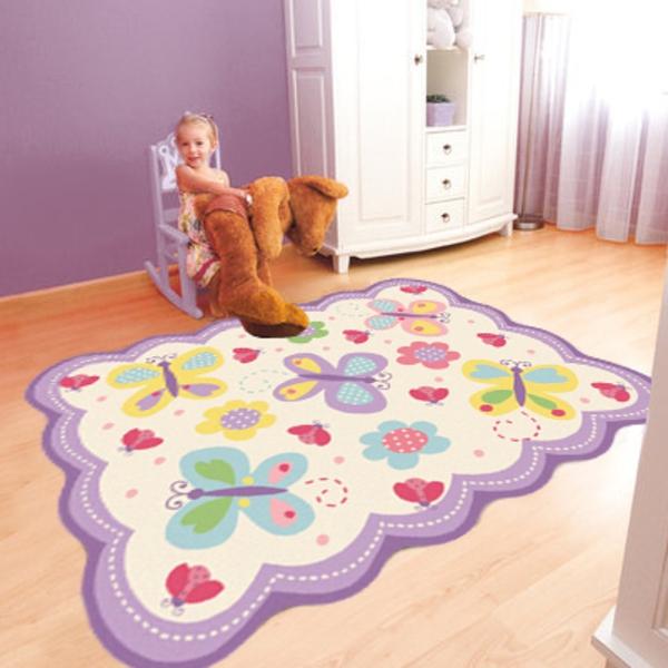 Le tapis chambre bb  des couleurs vives et de limagination  Archzinefr