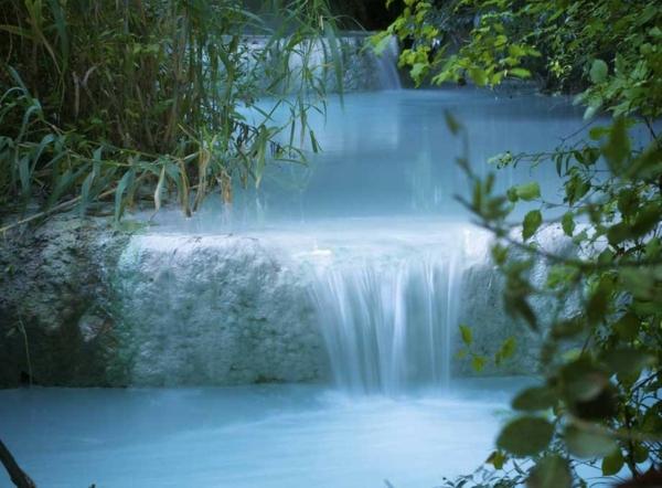 Source deau chaude  40 destinations de vacances merveilleuses  Archzinefr