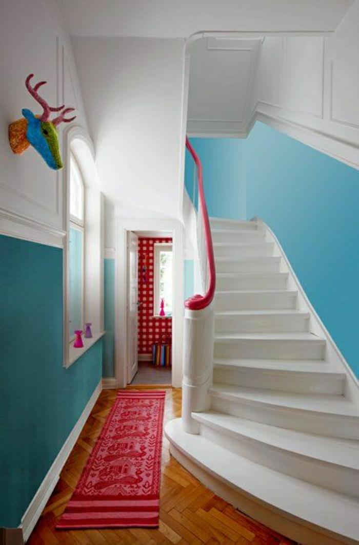 Plonger dans la couleur turquoise et colorer la maison