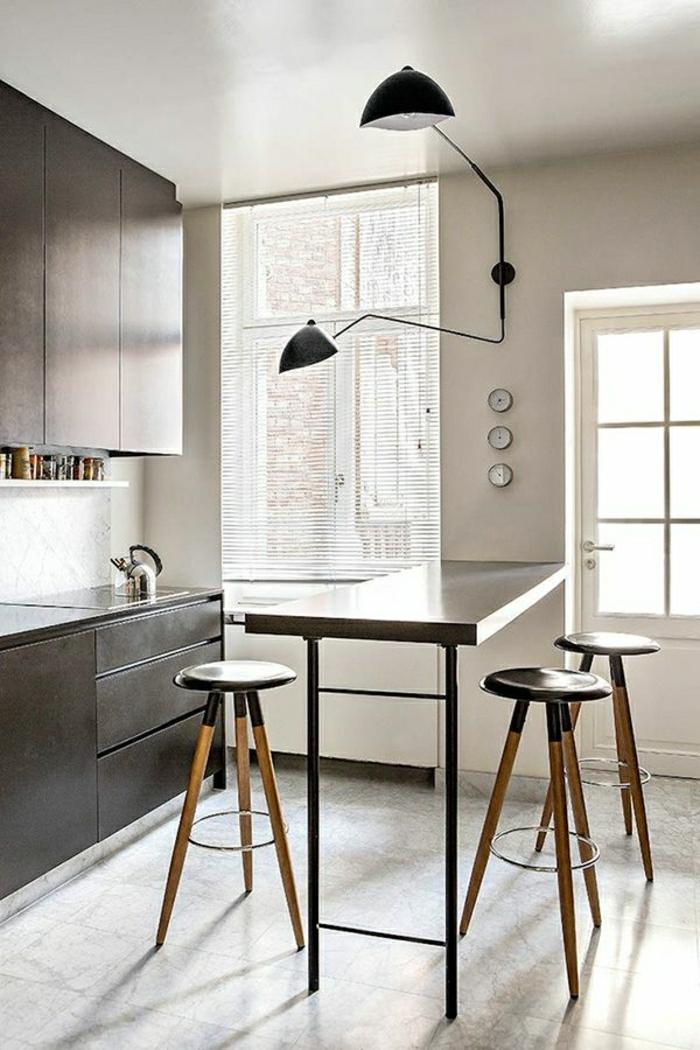 chaises hautes de cuisine