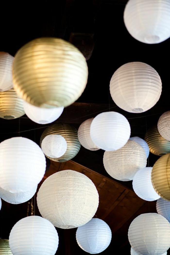 La boule chinoise est un joli et original moyen de dcoration
