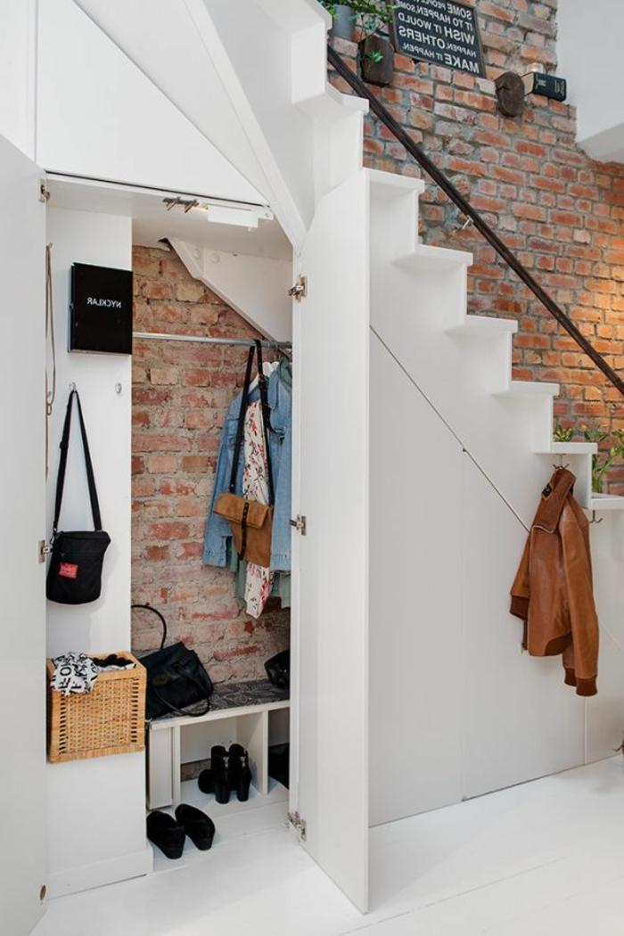 armoire sous pente ikea comment faire un dressing meuble escalier ikea etagere sous pente with. Black Bedroom Furniture Sets. Home Design Ideas