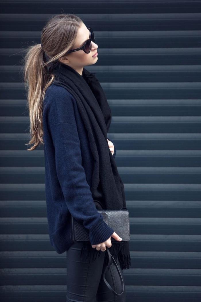le-style-casuel-chic-adoptez-les-tenues-chics-pour-femmes-quotidiennes-idée-veste-et-jean-tout-noir