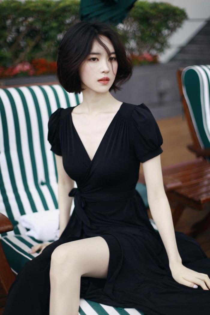 s-habiller-bien-class-tenue-de-soirée-chic-femme-comment-adopter-tenue-chic-femme-la-petite-robe-noir