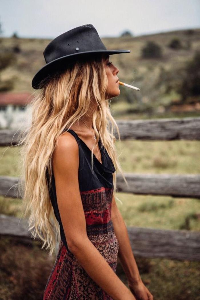 style-bohème-chic-robe-tribale-deux-piècescomment-s-habiller-tenue-chic-et-classe-femme-élégante-habillé