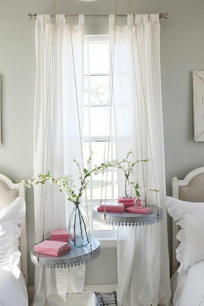 Installer une table de nuit suspendue prs de son lit  les avantages