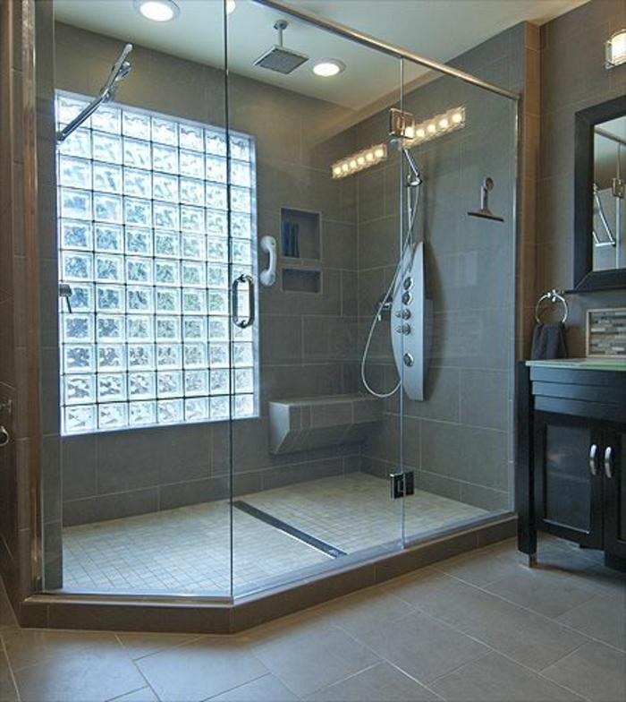 Mettons des briques de verre dans la salle de bains  Archzinefr