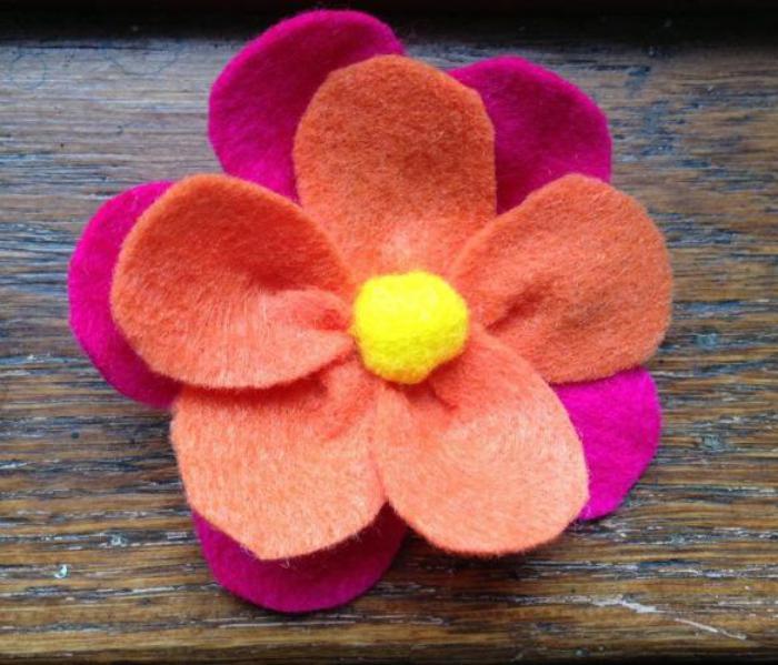Essayez les fleurs en feutrine  une jolie dcoration pour plusieurs cas