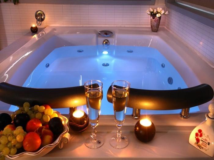 Belle chambre avec jacuzzi privatif  40 ides romantiques