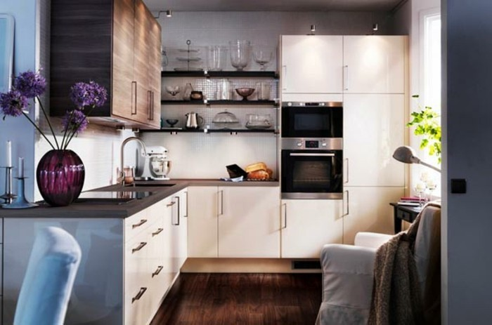 Modele de cuisine ouverte cool faade mdium revtue de polymre coloris gris soie brillant et chne - Amenager une petite cuisine ouverte ...