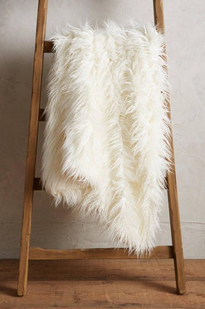 Le plaid fausse fourrure  confort pour vous et style luxueux pour lintrieur  Archzinefr