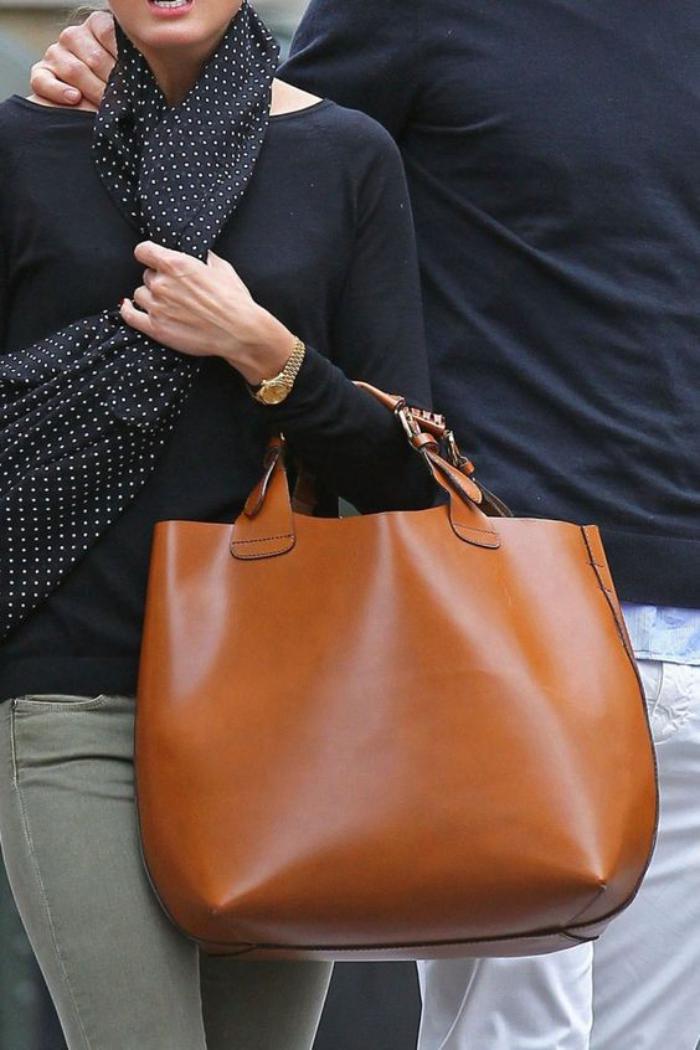 Le grand sac  main  laccessoire prfr de la femme moderne