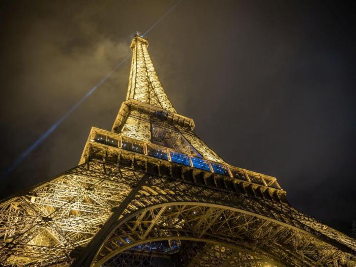 Nocturne Wallpaper Hd Photos Magnifiques De La Tour Eiffel Illumin 233 E Archzine Fr