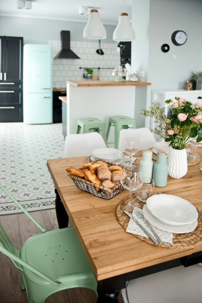 table de cuisine et chaises pas cher
