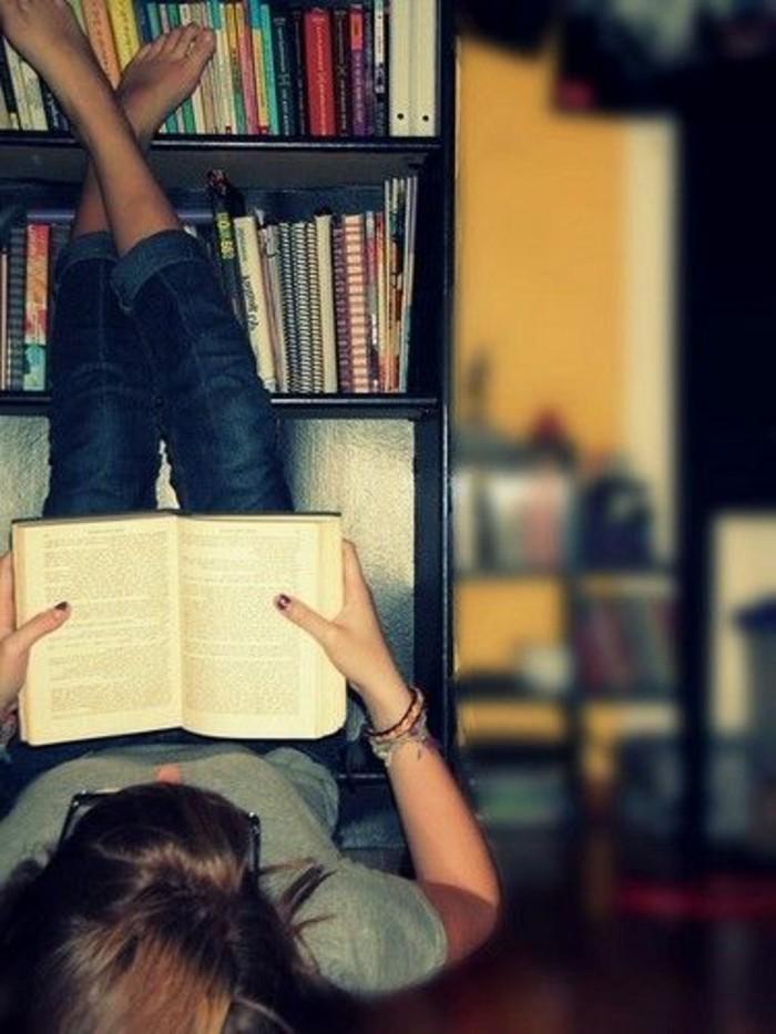 Femme Qui Lit Un Livre : femme, livre, Livres, Vendus,, Sellers, Cette, Année!