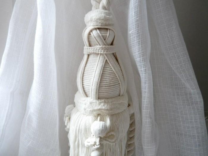 mardi sol voir a travers embrasse rideau pompon