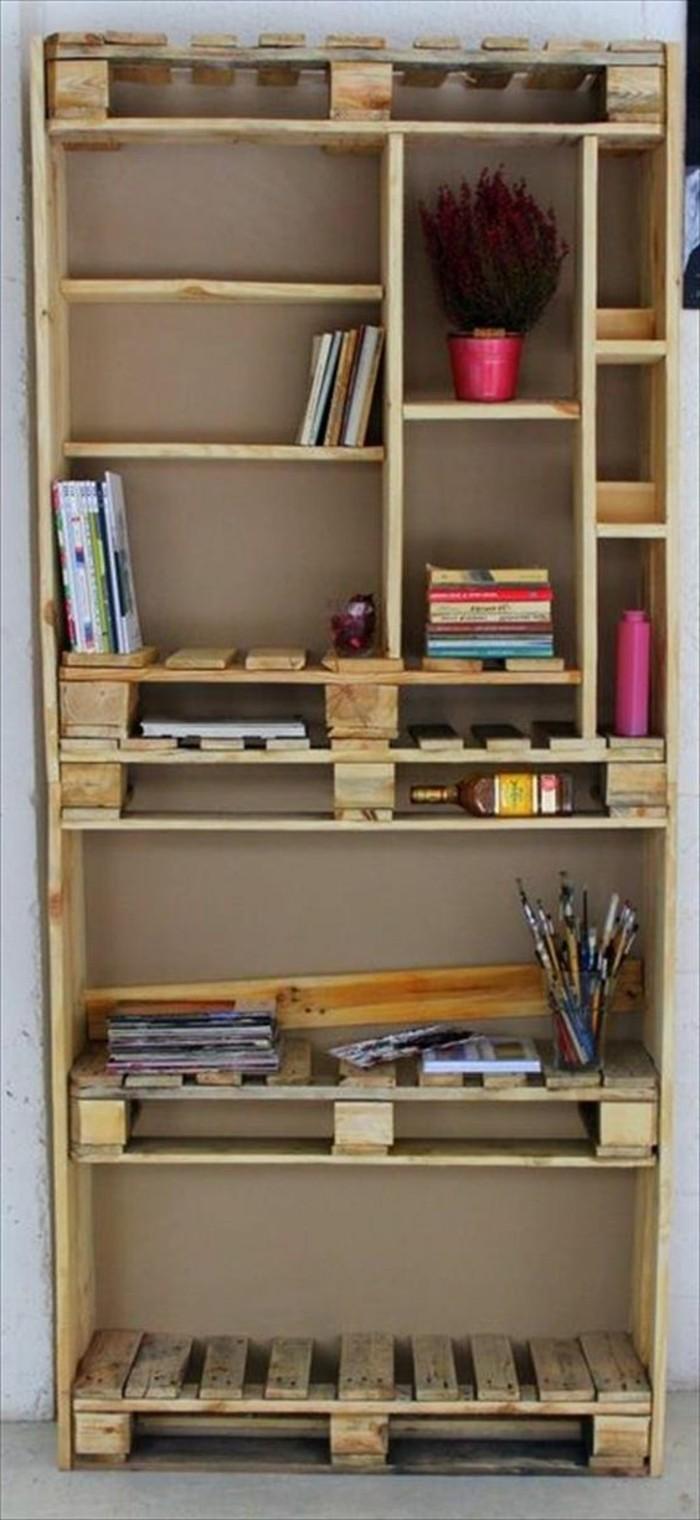 affordable armoire en palette intrieur tagre en palette de bois u une bouffe rustique with tagre palette