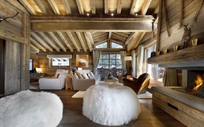 Idee Deco Plafond Poutre Interesting Salon Avec Chemine