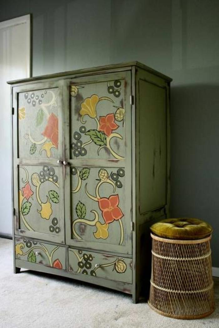 1001 ides pour relooker une armoire ancienne