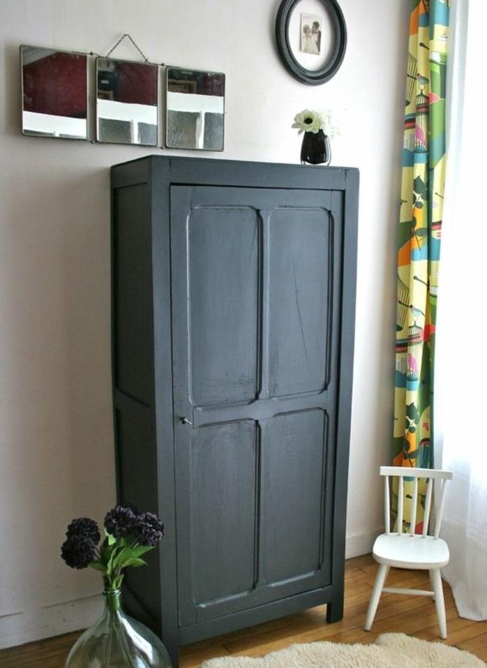 chambre a coucher vintage relooker armoire ancienne peinture noire parquet clair trois