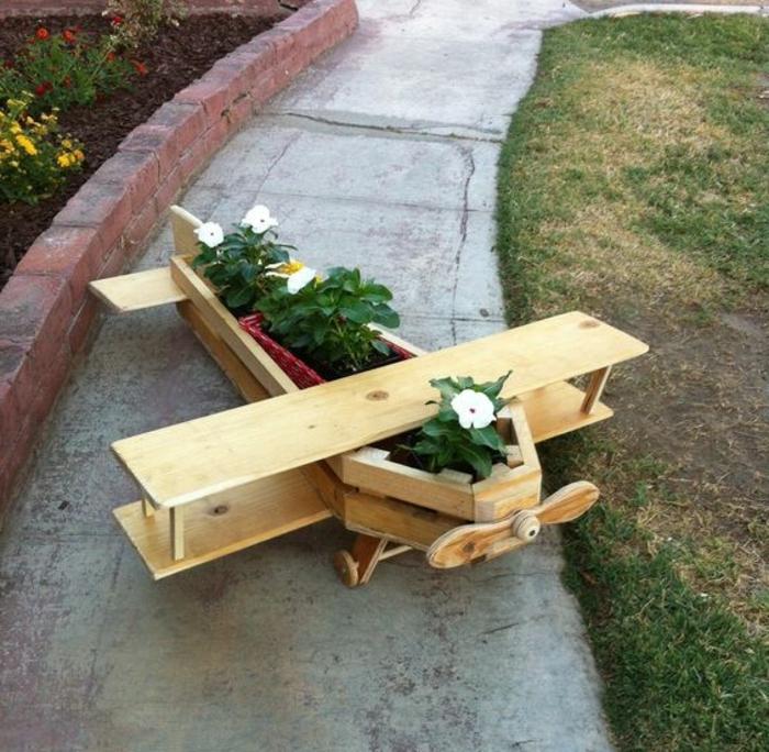 la jardiniere en palette en 80 photos et videos qui vont vous aider a fabriquer une deco jardin superbe