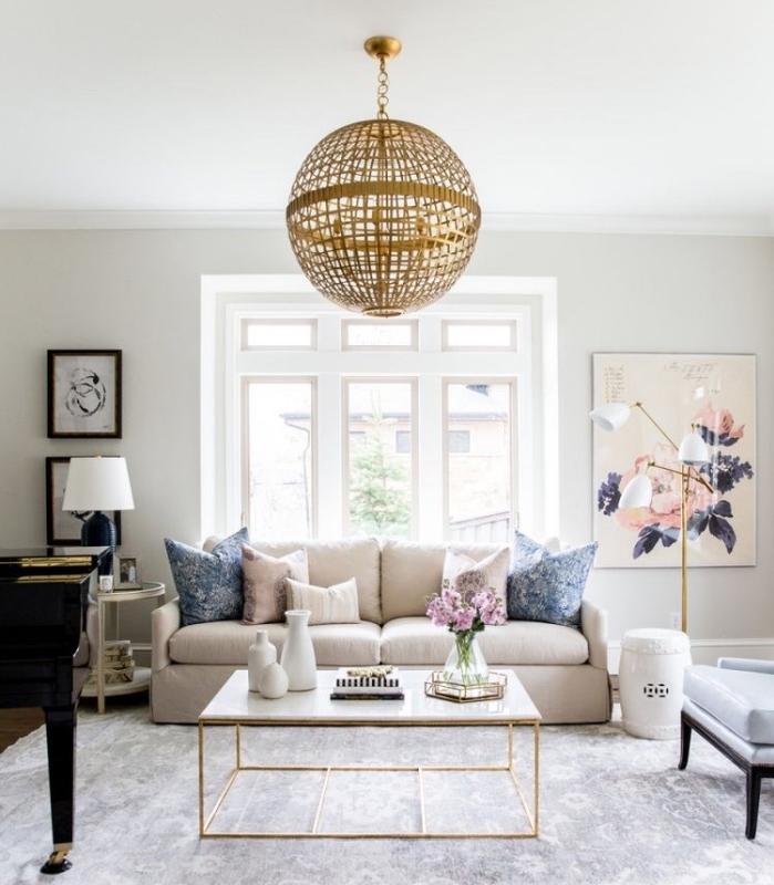 Salon blanc et beige  un coin douillet et paisible domin par les neutres  OBSiGeN