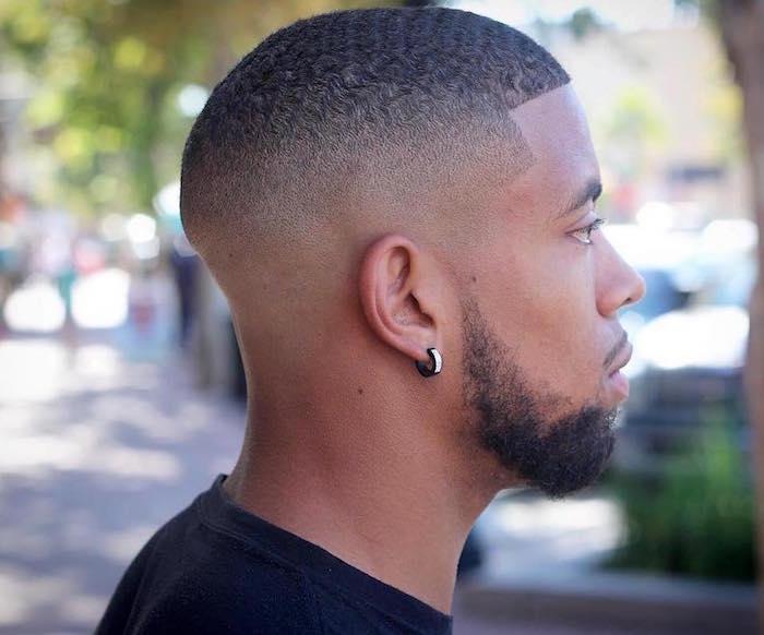 coiffure homme noir degrade court avec