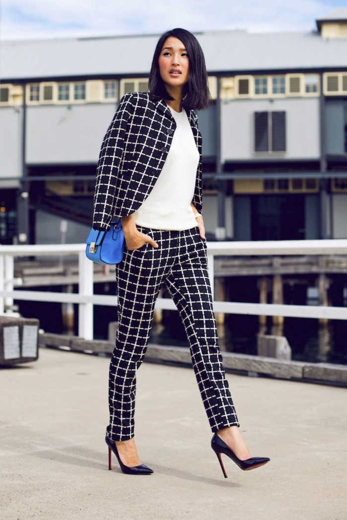 tenue avec tailleur pantalon femme pour