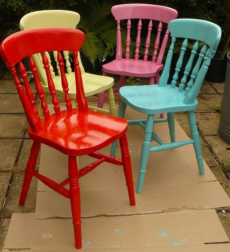 peindre une chaise en bois