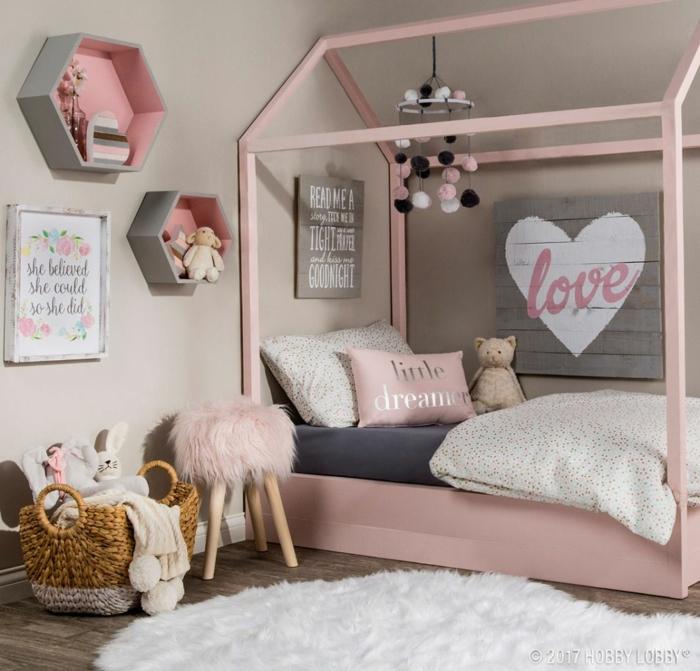 chambre de fille en rose et gris