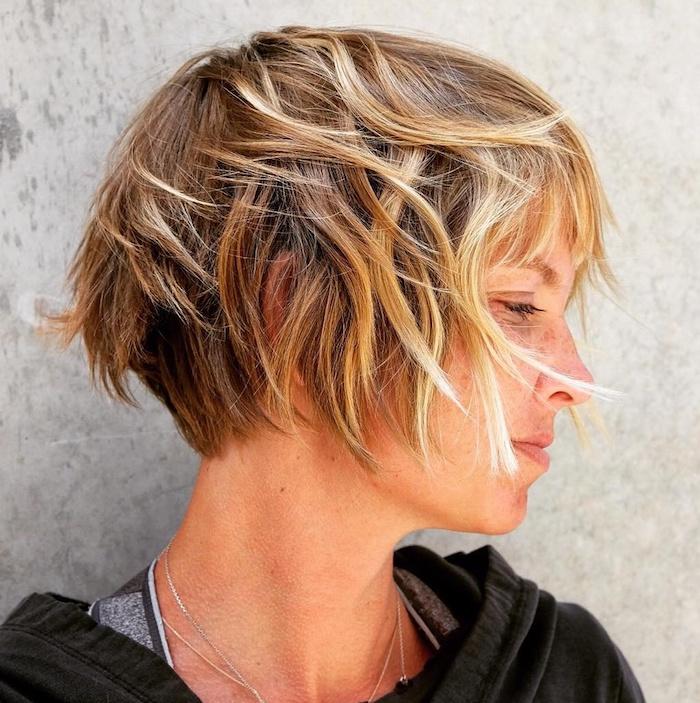 coupe courte pour cheveux fins et plats
