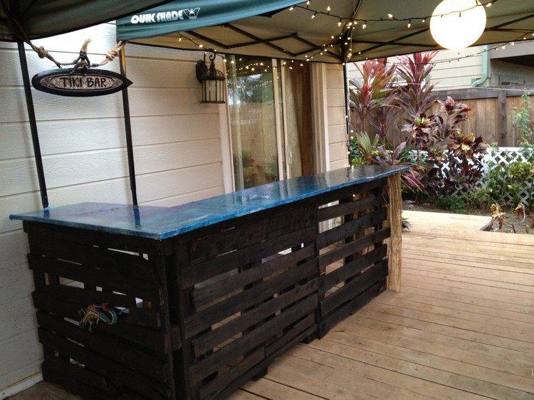 Arredo giardino con angolo bar fai da te in bancali riciclati