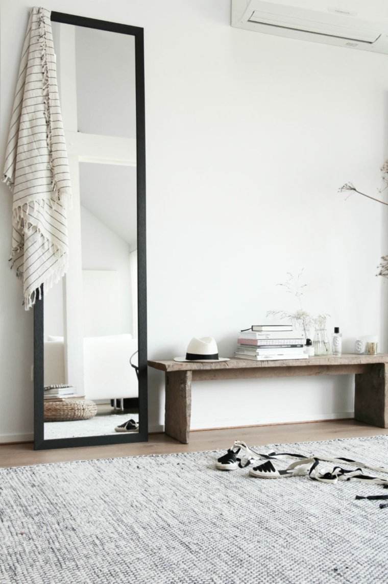 Toilette con specchio e retroilluminazione. Specchi Moderni Ecco Idee Davvero Originali Per La Vostra Camera Da Letto Archzine It