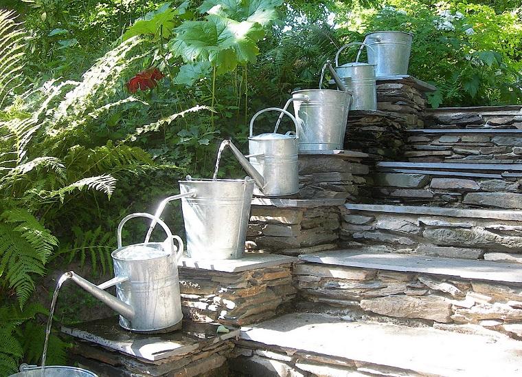 Fontane da giardino in cemento, pietra e metallo: Fontane Da Esterno 50 Proposte Dal Design Spettacolare Archzine It