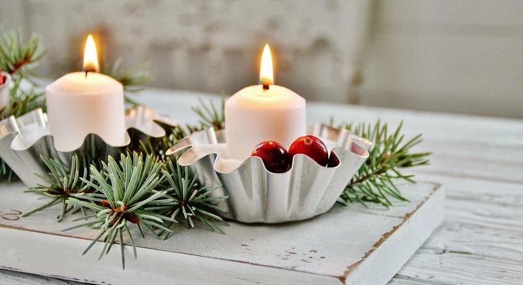 In particolare le candele, i ceri e i lumini riescono a diffondere una luce calda e mai faticosa per gli occhi in modo da donare relax e quiete agli abitanti della casa. 1001 Idee Per Centrotavola Natalizi Creativi E Originali