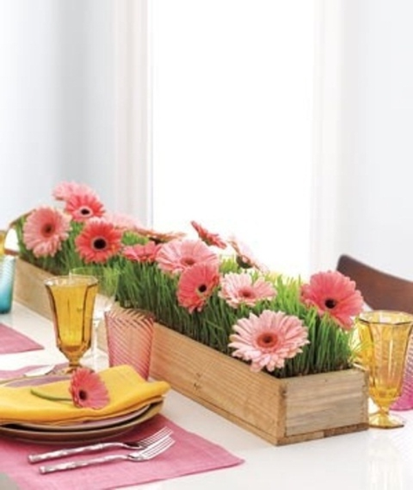 Easy Spring Table Centerpieces