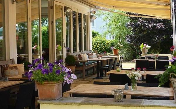 Garten Pflanzen Uberdachte Terrasse Wunderschone Ideen | Moregs, Garten Und  Bauen