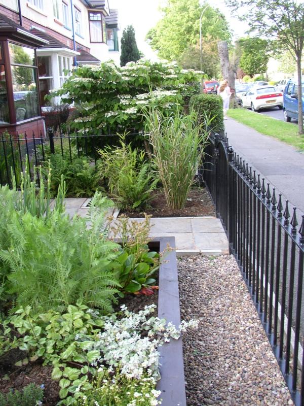 kleiner vorgarten mit steinen - boisholz, Garten und erstellen