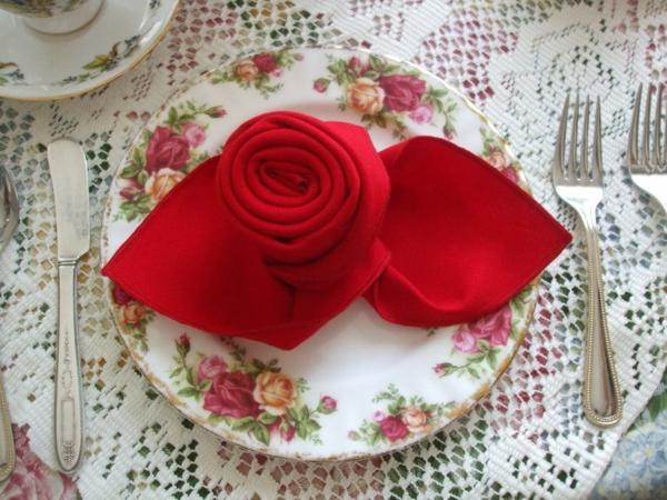 Schne elegante Rosen aus Servietten basteln