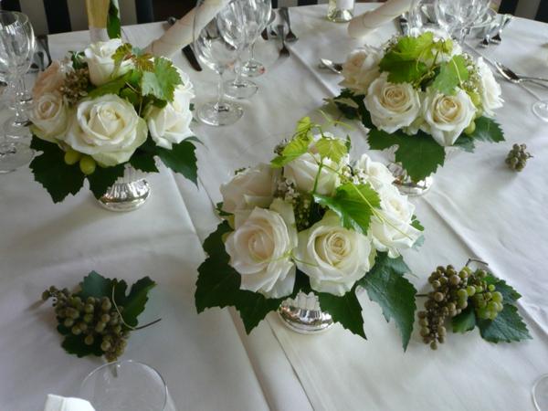 Tischgestecke fr Hochzeit  wnderschne Ideen  Archzinenet