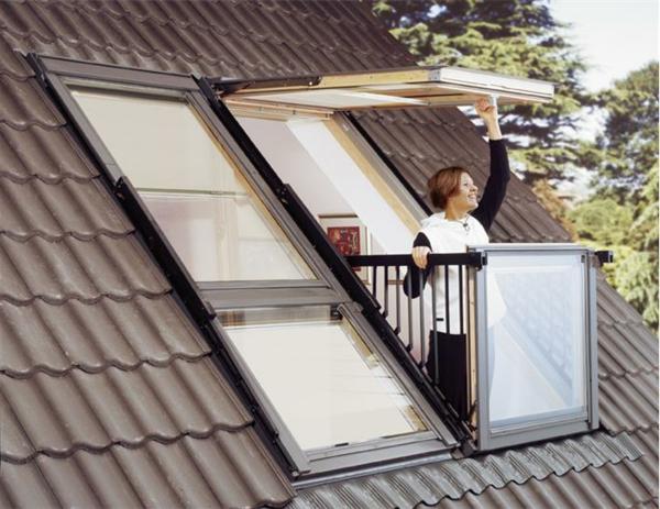 Velux Dachbalkon  eine minimalistische Design  Entscheidung  Archzinenet
