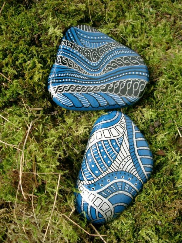 Bemalte Gartensteine als Dekoration  Archzinenet